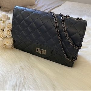 ♡ Quilted Shoulder / Crossbody Convertible Bag